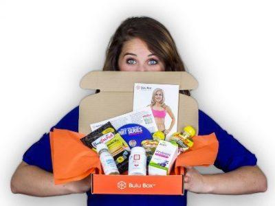 Woman holding Bulu box