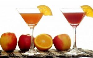 How to Enjoy Cocktails Without Derailing Your Diet