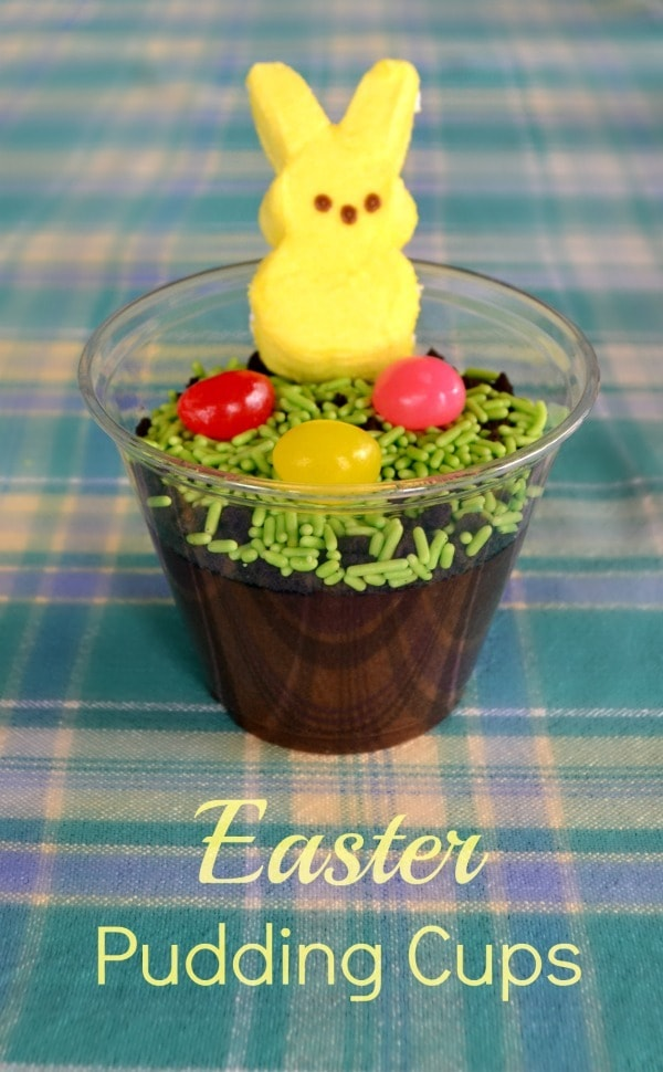 These Easter pudding cups are eye-catching treats that are actually easy to put together in just a few minutes, and kids love them.  #easter #puddingcups #forkids #dirtpudding via @wondermomwannab