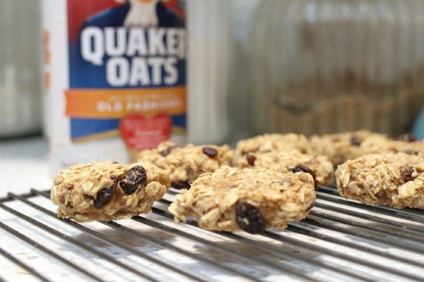 vegan-oatmeal-cookies on a wire rack