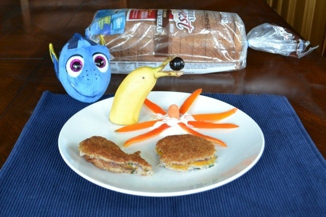If your kids are fans of Finding Dory, they'll love this lunch inspired by the movie - and they won't even notice it's healthy!