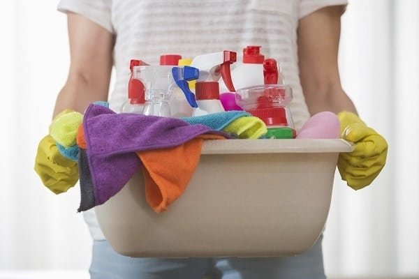 It's easy to keep your home clean if you have a declutter routine in place. Here are some tips and a handy checklist to help.