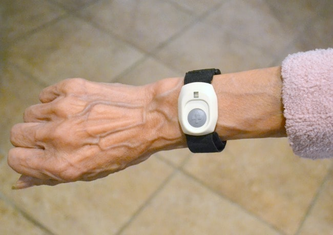 bay-alarm-medical-wrist-unit