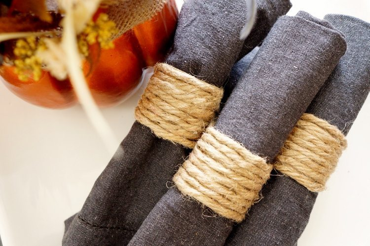repurposed-paper-towel-roll-napkin-rings-recycled-craft
