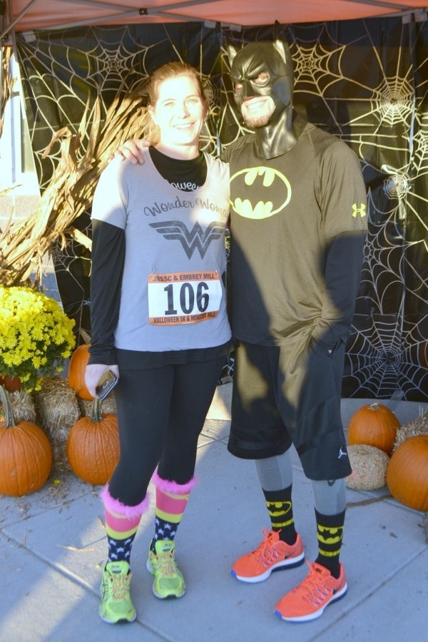 superheroes-at-a-community-race