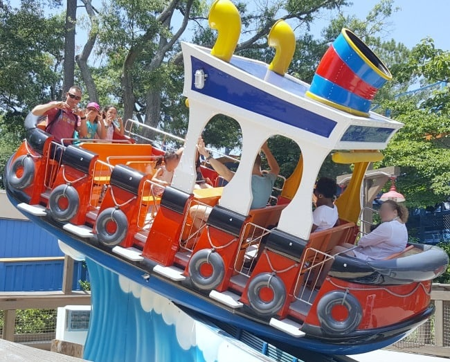 people on Lucy's Tugboat ride at Kings Dominion