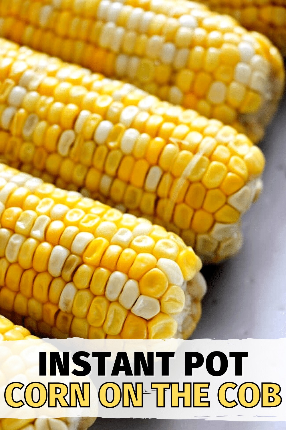 This Instant Pot Corn on the Cob is so much tastier than ordinary corn on the cob. You have to try this super easy recipe! #instantpot #pressurecooker #cornonthecob via @wondermomwannab