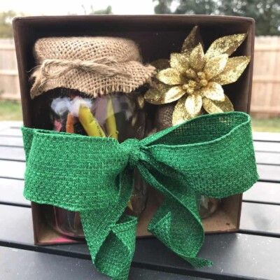 These DIY coffee gifts are easy to make and are perfect for your favorite coffee (or tea) lover!