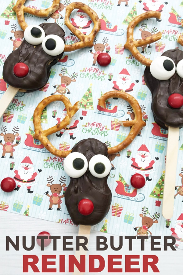 These Nutter Butter Reindeer are so cute! They're super easy to make too. Great treat for Christmas. #Christmas #reindeer #NutterButter #funfood