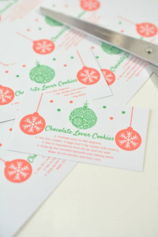 printable cards with directions on how to make the cookies with scissors in the background