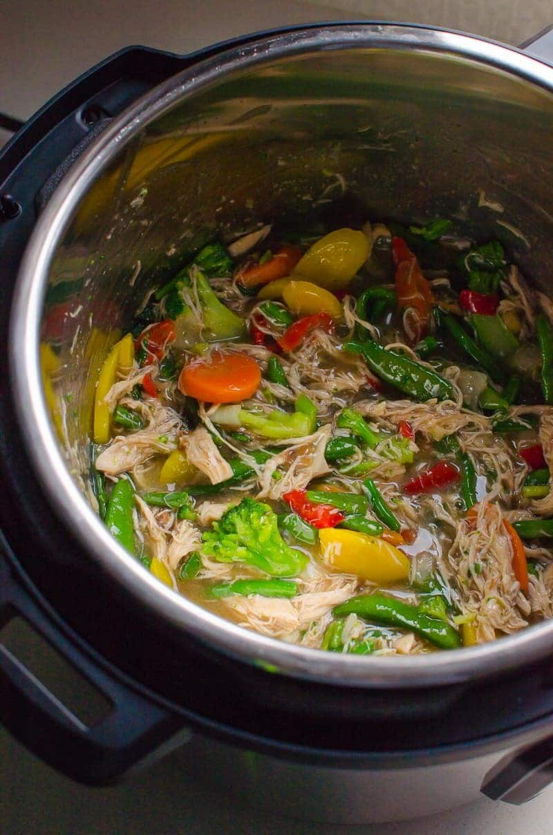 chicken and vegetable stir fry in an instant pot