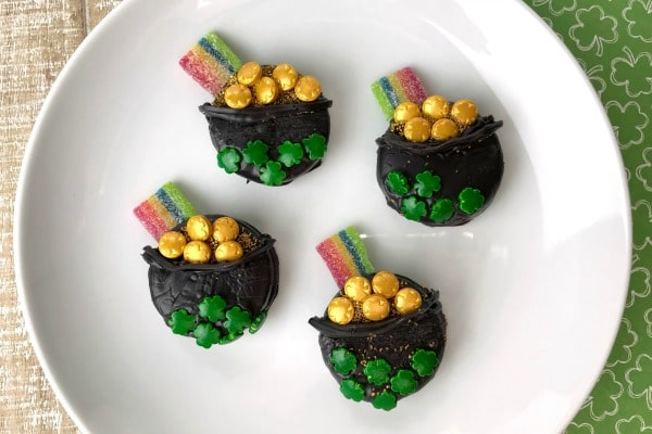 how to make Oreo St. Patrick's Day Treats