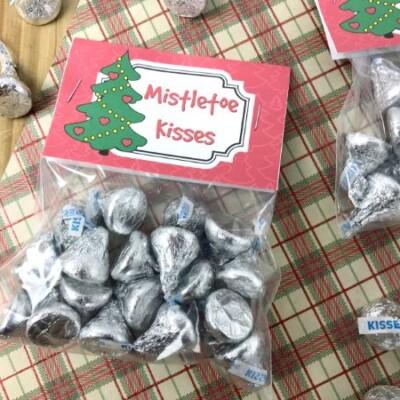 Mistletoe Kisses Treat Bags