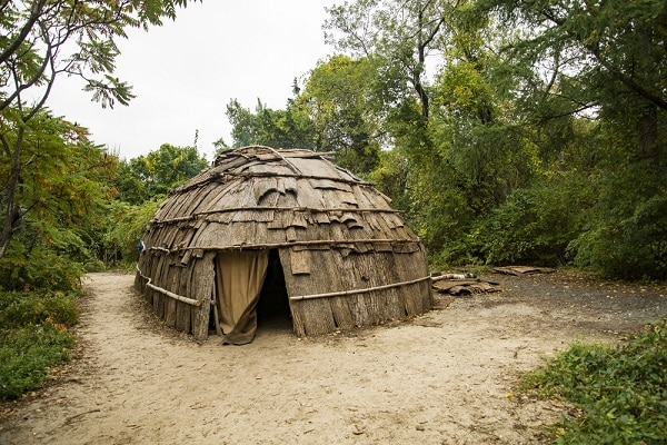 an Indian house on the Plimouth Plantation