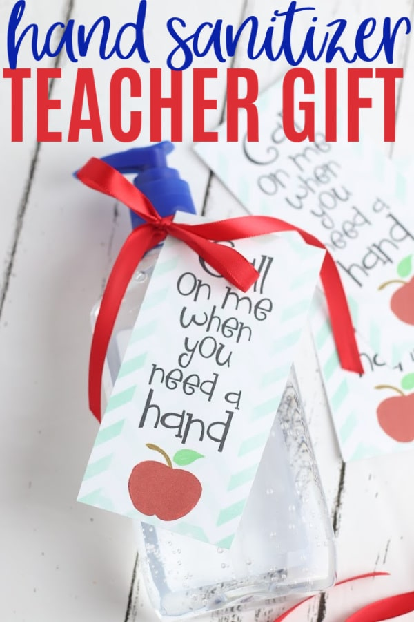 This Hand Sanitizer Teacher Gift is quick to make with a cute printable tag. Give hand sanitizer gifts to teachers and all school staff to show you care. #teachergifts #printables #printabletags via @wondermomwannab