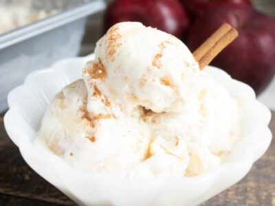 bowl of no churn apple pie ice cream