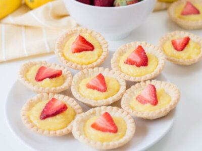 easy mini strawberry lemon tarts