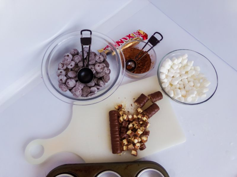 ingredients needed to make Twix Hot Cocoa Bombs