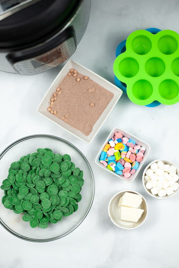 ingredients needed to make Instant Pot St. Patrick's Day Hot Cocoa Bombs