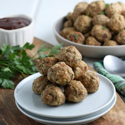 delicious serving size of easy meatball recipe with dipping sauce